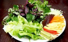 Nguy cơ nổi mề đay mẩn ngứa từ kí sinh trùng trong rau sống