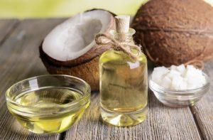 dùng dầu dừa kết hợp với long nào khi da mặt ngứa và sần