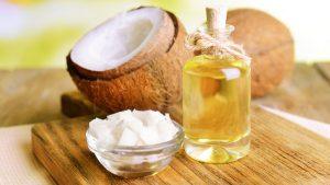 dùng dầu dừa dưỡng ẩm