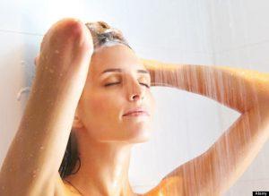 tắm rửa sạch sẽ đề phòng bệnh